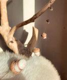 Eikelslinger - zijdewit met rode tint_